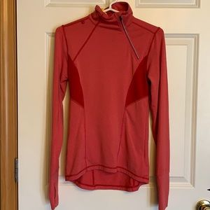 Lole long sleeve with front side zip top.